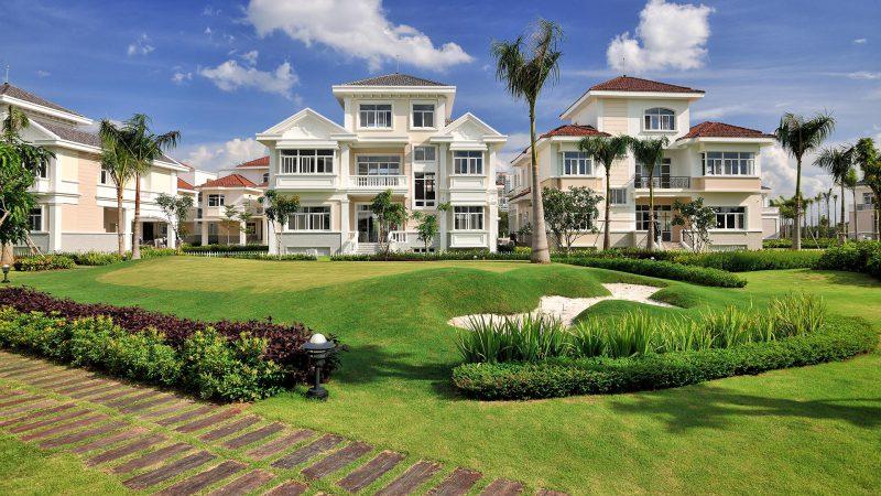 Tất cả các căn nhà đều có sân vườn rộng và view ra công viên