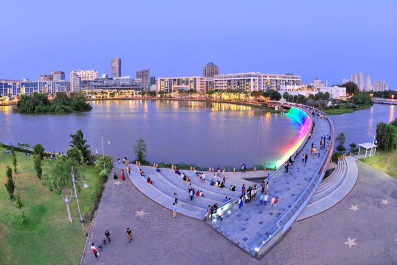 Cầu Ánh Sao - Hồ Bán Nguyệt